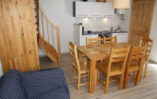 Pobierowo domek Calypso ll – pokój dzienny z aneksem kuchennym