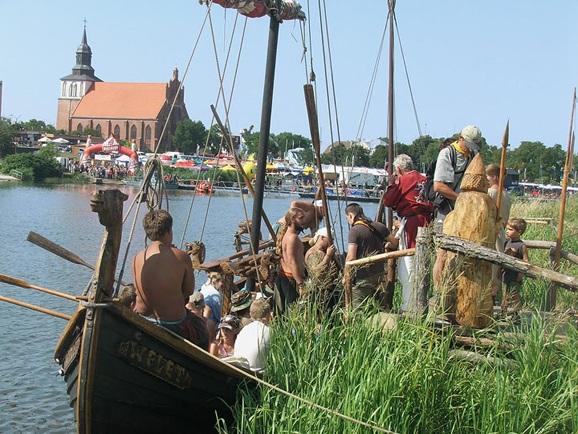 Wolin - festiwal Wikingów - domki nad morzem